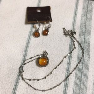 🧜🏻♀️Amber necklace/earrings